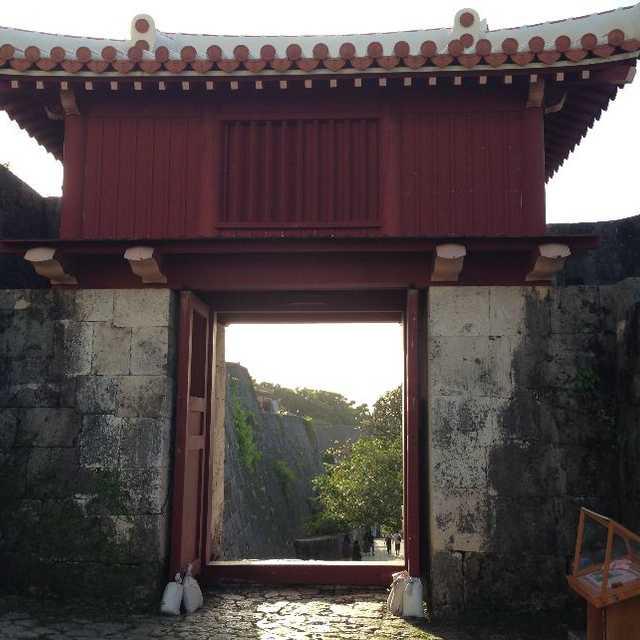 右掖門 - Ueki Gate
