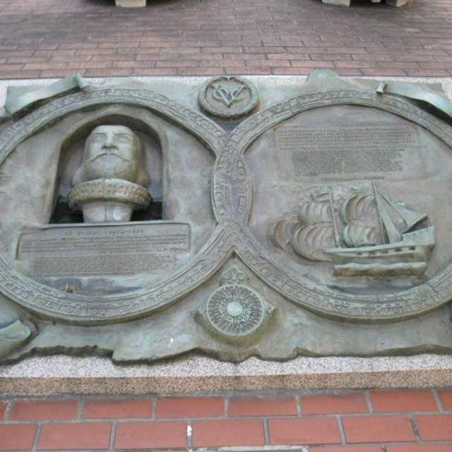 ヤン・ヨーステンの碑が作られたのは?