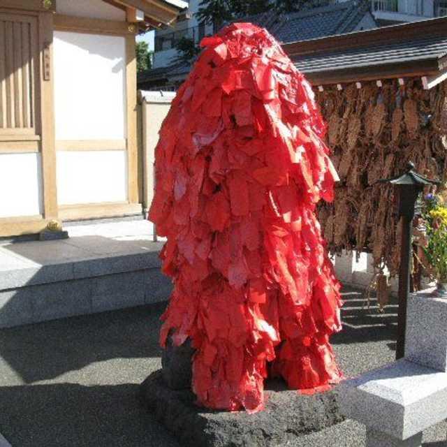 東覚寺の赤紙仁王