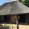 貝塚の中の旧家