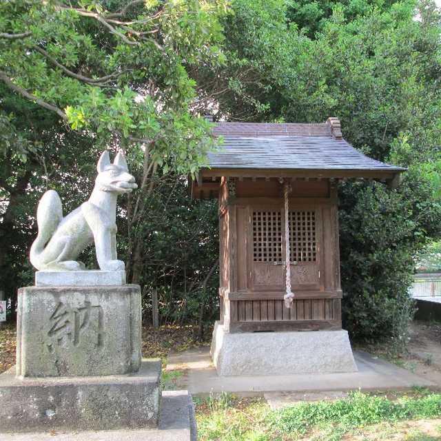 碇神社のイヌグス