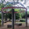 公園の休憩スペース