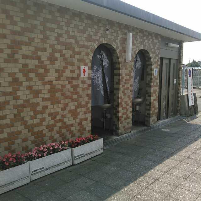 JR足利駅前トイレ