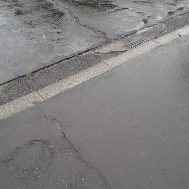 大正の舗装道路