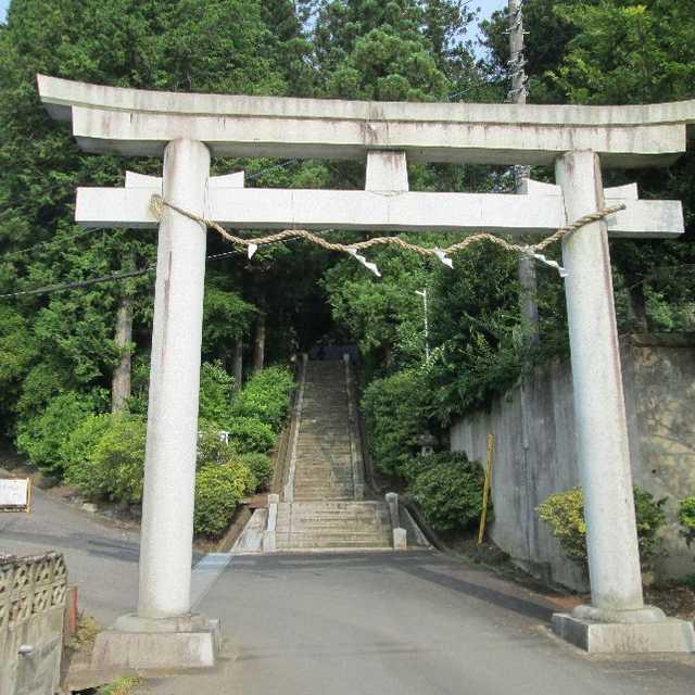 総鎮守三所神社