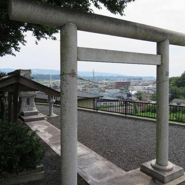 高台の神社