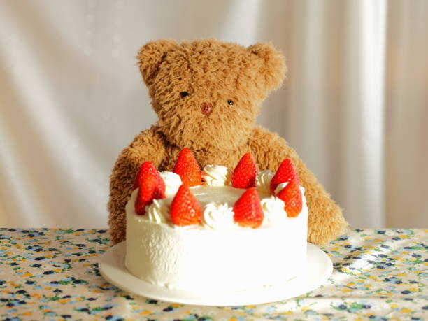 Teddy bear and strawberry s...