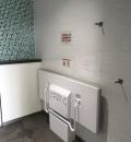 東中神駅(南口エレベーター下誰でもトイレ)のオムツ替え台情報