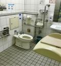 西新宿五丁目駅(改札内トイレ)のオムツ替え台情報