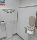 大井PA(東行き)(1F 女性トイレ)のオムツ替え台情報