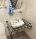 越谷コミュニティセンター 多目的トイレ(2F)のオムツ替え台情報