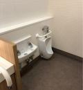 レストラン街付近女子トイレ(1F)のオムツ替え台情報