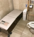 西武池袋本店 2階 多機能トイレ(2F)のオムツ替え台情報