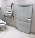 イオン南越谷店みんなのトイレ(1F)のオムツ替え台情報