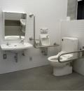 由比ガ浜大通り公衆トイレのオムツ替え台情報