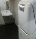 岡山ロッツ(3F 駐車場内多目的トイレ)のオムツ替え台情報