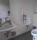桜の森公園 駐車場側トイレのオムツ替え台情報