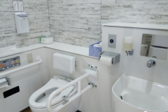 大室山山頂天空トイレ(バリアフリー)のオムツ替え台情報