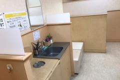 フジグラン西条 ベビールーム(2F)の授乳室・オムツ替え台情報