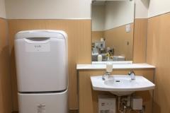 ライフ東馬込店 多目的トイレ(3F)のオムツ替え台情報