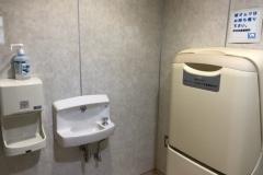 甲州耳鼻咽喉科医院のオムツ替え台情報