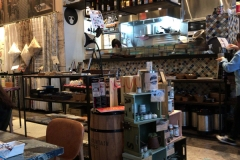 友安製作所カフェ(1F)のオムツ替え台情報
