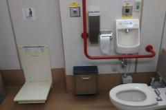 小金井駅(多機能化粧室)(2F)のオムツ替え台情報