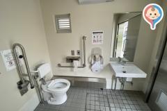 中丸子公園 公衆トイレ(1F)のオムツ替え台情報