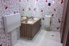 ラウンドワン 松山店(2階 女子トイレ)のオムツ替え台情報