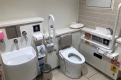 ポンテポルタ3F 多目的トイレ(3F)のオムツ替え台情報