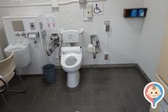 旧芝離宮恩賜公園(多目的トイレ)の授乳室・オムツ替え台情報