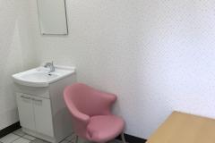 江東区役所小松橋出張所(2F)の授乳室・オムツ替え台情報
