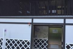 飛鳥山公園 明治通り交差点前 多機能トイレのオムツ替え台情報