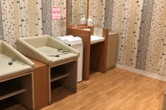 モザイクモール港北 都筑阪急(4階 ファミリールーム)の授乳室・オムツ替え台情報