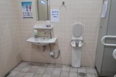 サンドラッグ 豊中東泉丘店(1F)のオムツ替え台情報