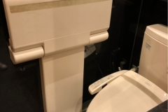 マクドナルド 西新宿店(1F)のオムツ替え台情報