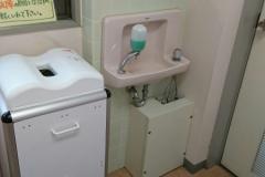 七塚原SA (下り)(販売コーナーの奥にあります)の授乳室・オムツ替え台情報