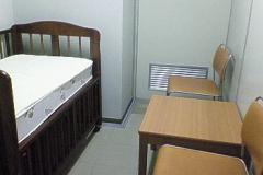 吹田市役所(中層棟2階 保育幼稚園室事務室の横)の授乳室・オムツ替え台情報