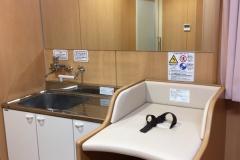 米子市立図書館(1F)の授乳室・オムツ替え台情報