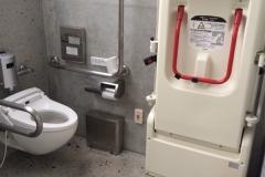 石の島の石 トイレのオムツ替え台情報