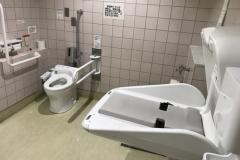 イトーヨーカドー大井町店(1F 多目的トイレ)のオムツ替え台情報