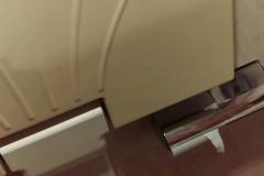 ステーキガスト高知潮新町店(女子トイレ 個室内)のオムツ替え台情報