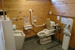 じゅーもぴあ宮畑(公園側)(駐車場、遊具、トイレ、休憩室あり)のオムツ替え台情報