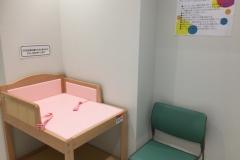 カルッツかわさき(1F プレイルーム内)の授乳室・オムツ替え台情報