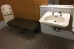 高田図書館前公衆トイレ(1F)のオムツ替え台情報