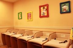 東京ディズニーランド(カートゥーンスピンの隣)の授乳室・オムツ替え台情報
