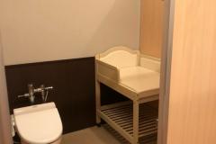 たんばらスキーパーク(入り口横の女子トイレの奥に女性更衣室があり、その一角が授乳室になっている)