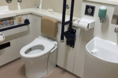 北区役所第一庁舎 多機能トイレ(1F)のオムツ替え台情報