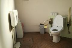碧南市明石公園 赤ちゃんの駅(観覧車とメリーゴーランドの間)の授乳室・オムツ替え台情報