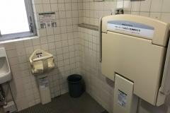 神戸町役場(1F)のオムツ替え台情報